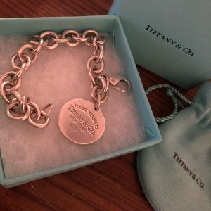Tiffany & Co. Jewelry - VEUC RTT Circular Bracelet